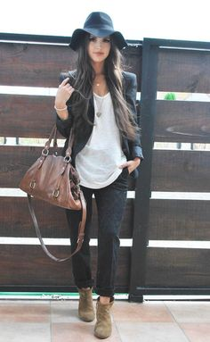Casual Black Blazer, White Tee, Black Jeans with Brown Leather Bag & Tawny Suede Boots.  + she's cute! ;)