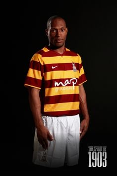 Bradford City Football kit 2012
