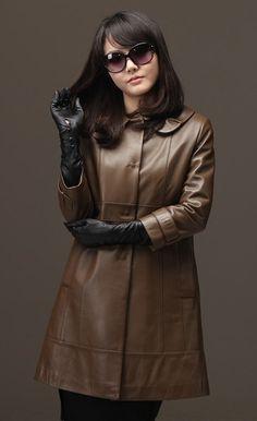 Long Leather Coat, Black Leather Gloves, Elegant Gloves, Gloves Fashion, Leder Outfits, Fashion Beauty, Womens Fashion, Leather Fashion, Fit Women