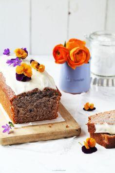 Rezept Blaubeerjoghurt Kuchen vom Foodblog Zuckerzimtundliebe Orangenglasur