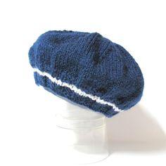 Bonnet bébé bleu marine tricoté façon béret taille 1 à 3 mois Tricotmuse : Mode Bébé par tricotmuse