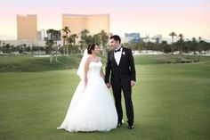 The Bride and Groom on the greens of Bali Hai Golf Club! | Photo by Bently and Wildon Photography | Las Vegas Wedding Venue | Destination Wedding | Golf Course Wedding