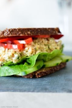 Fedtfattig tunsalat med hytteost og gulerod — Sesam, Sesam Diet Recipes, Dessert Recipes, Healthy Recipes, Healthy Meals, Healthy Food, Fabulous Foods, Soul Food, Food Inspiration, Tapas