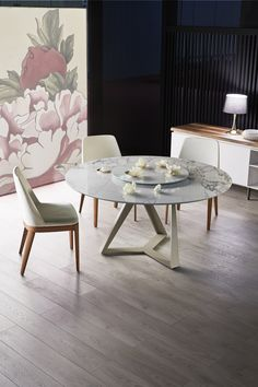 Glass Dining Table, Round Dining Table, A Table, Kitchen Tables, Contemporary Furniture, Contemporary Design, Dining Room Furniture, Wooden Tables, Houses