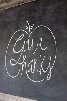 Give Thanks - Easy Chalkboard Lettering Tutorial + Free Fall Template! Thanksgiving Crafts, Thanksgiving Decorations, Fall Crafts, Holiday Crafts, Holiday Fun, Diy Crafts, Thanksgiving Chalkboard, Seasonal Decor, Chalkboard Art