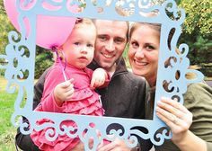 A Wedding Story: First Birthday Craft & diy Projects...spray paint a large frame so guests can have a family photo taken