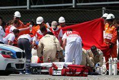 Piloto de 24 anos caiu durante segunda sessão de treinos livres para GP da Catalunha, no Circuito de Barcelona. Levado ao hospital, não resistiu aos ferimentos