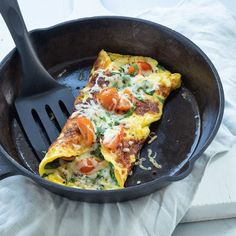 Spinach omelette roll Nice recipes - Keto for beginners Vegetarian Recipes Dinner, Healthy Breakfast Recipes, Veggie Recipes, Healthy Eating, Healthy Recipes, Appetizer Recipes, I Love Food, Good Food, Yummy Food