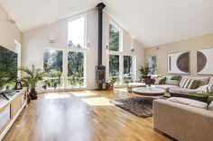 Villa Dalarö från A-hus 3 Season Room, Home Fireplace, Hamptons House, Scandinavian Interior, Log Homes, Home Fashion, Home Living Room, Home Decor Inspiration, Architecture Design