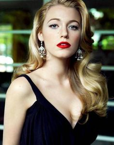 blake-lively-vogue red lips