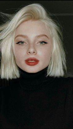 New Hair Styles Short Cuts Bobs Blondes 46 Ideas 90s Grunge Hair, Short Grunge Hair, Short Hair Cuts, Short Hair Styles, Short Pixie, Short Blunt Bob, Cool Short Hairstyles, Hairstyles Haircuts, Drawing Hairstyles
