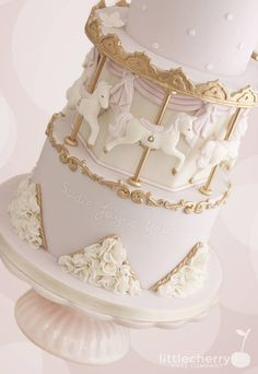 Carousel Cake - Cake by Little Cherry - CakesDecor