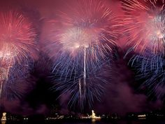 There's only one thing America loves more than America: fireworks. Many cities compete for the honor of having the best 4th of July fireworks in the USA, but we can't choose a favorite—here are 11 of the biggest and most spectacular celebrations, plus tips on how to get the best view for all of them this Independence Day.
