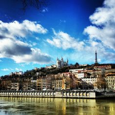 See 513 photos and 33 tips from 4168 visitors to Vieux Lyon. Paris Skyline, New York Skyline, City C, Lyon France, Rhone, Beautiful World, Places To Travel, Exploring, Families