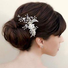 Vintage Rhinestone Bridal Hair Clip ~ Karen by Hair Comes the Bride Fringe Hairstyles, Formal Hairstyles, Vintage Hairstyles, Diy Hairstyles, Wedding Hairstyles, Hairdos, Low Bridal Updo, Bridal Hairdo, Bridal Hair With Fringe