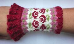 Wrist Warmers, Hand Warmers, Little Cotton Rabbits, Fingerless Mitts, Fall Trends, Knitting Socks, Red And Pink, Red Roses, Knitting Patterns