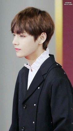 #wattpad #fanfiction Cậu bé Kim Taehyung bị tai nạn ở đầu từ nhỏ. Tính khí bất bình thường. Cần một quản gia trạc tuổi ngày đêm bên cạnh chăm sóc. Cha của cậu là một nhà tài phiệt liền đưa tin tuyển quản gia gấp. Jeon Jungkook bất ngờ trúng tuyển.