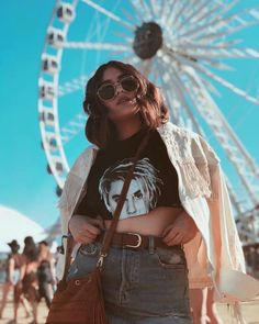 Image about fashion in ➵ coachella looks by glow baby Fair Photography, Dreamy Photography, Portrait Photography Poses, Creative Photography, Fair Pictures, Poses For Pictures, Insta Pictures, Photos Bff, Photos Tumblr