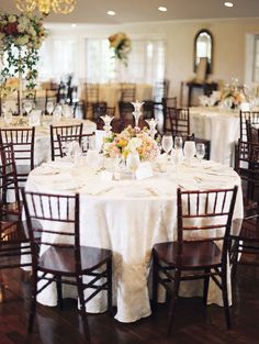 I love all weddings, from quirky, unusual affairs to hip, modern soirees. But give me a classic party dripping in romance and I'll literally light up like a Christmas tree. Case in point? This beautifulAntrim 1844wedding, an odeto all things traditional with stunning blooms