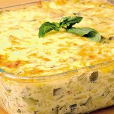 Aprende a preparar budin de zapallitos italianos con esta rica y fácil receta… Yummy Vegetable Recipes, Great Recipes, Vegan Recipes, Cooking Recipes, Vegan Food, Quiches, Chilean Recipes, Healthy Cooking, Macaroni And Cheese