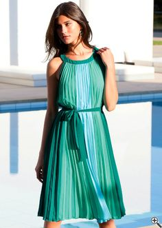Schöne bunte Sommerkleider luftig-leichtes Outfit: http://www.kleider-deal.de/schoene-bunte-sommerkleider-knielang-luftig-leicht-outfit/ #Sommerkleider #Outfit #Kleider #Dress #Strandkleider #bunt