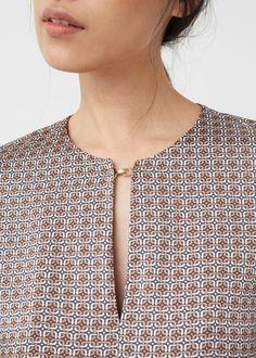 Salwar Neck Designs, Neck Designs For Suits, Kurta Neck Design, Neckline Designs, Dress Neck Designs, Kurta Designs, Sleeve Designs, Blouse Designs, Simple Indian Suits