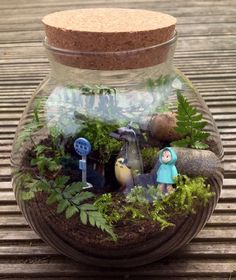 My Neighbour Totoro Terrarium Kit With Container, Figures, Live Fern And Moss