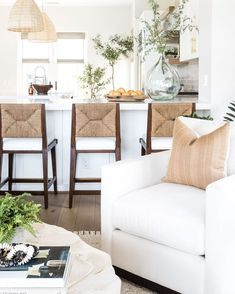 Should we add these gorgeous counter stools from our #palmspringsproject to the shoppe?? 😍// 📷: @vlentine Interior Decorating Tips, Interior Design Tips, Counter Stools, Palm Springs, Building A House, Projects, Home Decor, Log Projects, Homemade Home Decor