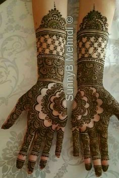 Find bridal makeup artists for your UK asian wedding or event. Specialists in Mua and Mehndi, Indian hair, henna and makeup styles. Mehndi Designs Feet, Indian Henna Designs, Mehndi Designs Book, Mehndi Designs 2018, Mehndi Designs For Girls, Stylish Mehndi Designs, Dulhan Mehndi Designs, Mehndi Design Pictures, Wedding Mehndi Designs