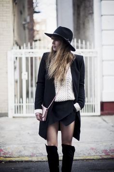 pay that hats on with vintage Chanel. #LisaDengler in  NYC. #JustAnotherFashionBlog