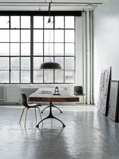 Minimalism #interior #minimalism #desk #furniture #design
