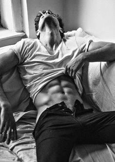 Smoking-hot guy with ripped abs & sexy open jeans. More hot men Beautiful Boys, Pretty Boys, Gorgeous Men, Beautiful Men Bodies, Mode Man, Male Body, Hot Boys, Cute Guys, Male Models