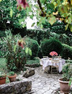 Inspiration - Chinoiserie De Gournay Wallpaper, Chinoiserie, Patio, Outdoor Decor, Plants, Inspiration, Home Decor, Biblical Inspiration, Decoration Home