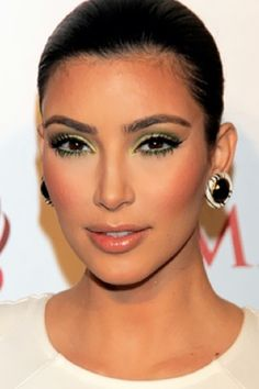 5 Pastels That Are Hot Right Now - Minty Green Eyeshadow - Kim Kardashian