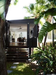 Australian house photographed by Toby Scott.