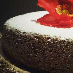 Le ricette della Lady: torta di cachi e frutta secca