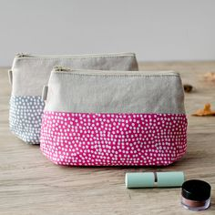 make up bag //pink + white dot and linen zipper pouch // cosmetic storage
