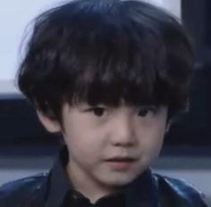 exo exo k baekhyun mini baek OMG TOO CUTE U__U sarang-hamnida •