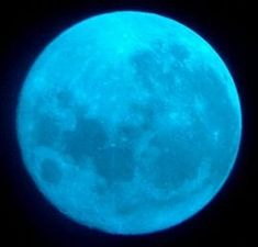 Blue moon rise at 7:13pm PDT Friday, Aug. 31, 2012....Next one not until 2015! Check it out tonight!!! The last time a blue moon happened was on New Year's Eve 2009. The next blue moon will occur July 31, 2015, according to moongiant.com.
