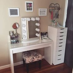 bea∙u∙ti∙ful ✨ Such a charming little vanity station by @gabysglamm featuring our #ImpressionsVanityGlow & IKEA Malm desk and Alex drawers