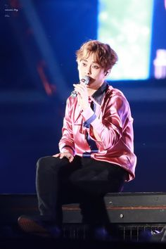 Xiumin - 170527 Exoplanet #3 - The EXO'rDium [dot]  Credit: 슈슈보이.