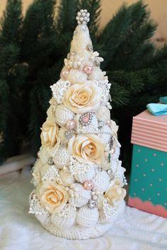 Christmas Tree Images, How To Make Christmas Tree, Christmas Minis, Xmas Tree, Vintage Christmas, Christmas Time, Christmas Wreaths, Christmas Crafts, Christmas Decorations