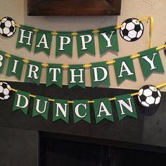 jennifercadams1 ha añadido una foto de su compra Soccer Birthday Parties, Soccer Party, Bunting Banner, Banners, Party Shop, Etsy App, Handmade Cards, Handmade Gifts, Garlands