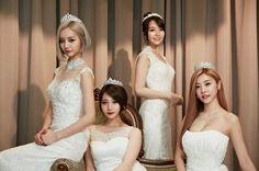 12 Female Idols Who Look Absolutely Gorgeous In Wedding Dresses! Kpop Girl Groups, Korean Girl Groups, Kpop Girls, Jung So Min, Fx Red Light, Hyeri, Girl Sday, Ga In, Brown Eyed Girls