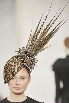 Philip Treacy for Ralph Lauren Collection A/W 2008 Silly Hats, Fancy Hats, Turbans, Ralph Lauren, Feather Hat, Burlesque Costumes, Millinery Hats, Cocktail Hat, Church Hats