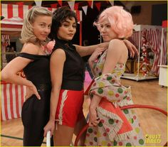 Grease: Live's Sandy: Julianne Hough Writes Sweet Note Before Tonight's Show!: Photo #3565623. Julianne Hough will be playing the iconic role of Sandy in tonight's production of Grease: Live on Fox and we can't wait to see her shine on screen!    The 27-year-old…