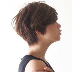 ☆外国人シルエットのシンプルショートヘア☆丸みのあるショートヘアは女性らしい印象を作ります! ✂︎ ✂︎ ✂︎ ✂︎ ☆骨格をキレイにみせるカットライン☆ ✂︎ ✂︎ ✂︎ ☆襟足などの生えグセもおさまります☆ ✂︎ ✂︎ ☆髪質、毛量でのお悩みもヘアカットで解決できます☆ ✂︎ ✂︎ ☆スタイリングも簡単で形の崩れないヘアカットで、1番似合う髪型を提案させて頂きます☆ ✂︎ ✂︎ ✂︎ ☆老若男女幅広いお客様が多いので気兼ねなくいらしてください☆ ✂︎ ✂︎ ✂︎ 新規指名のお客様のほとんどがショート、ボブスタイルなので、様々なスタイルのカットをつねに研究してます。骨格、髪質に合ったスタイルを提案させて頂きます。 ✂︎ ✂︎ ✂︎ ✂︎ #ヘアカタログ#髪型 #ショートヘア #ショートボブ #大人可愛いショートヘア #おしゃれヘア #美容室 #大人ショート #ヘアカラー #ヘアパーマ #長澤まさみ#吉瀬美智子#波瑠#辺見えみり#広瀬すず #新垣結衣 #表参道美容師#ビュートリアムカット#可愛い髪型#モテ髪 #ヘアスタイル…