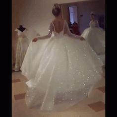 a195fa0c8ec93 Wao I want this one Balo Elbisesi, Çiçekli Kız Elbiseleri, Resmi Elbiseler,  Nişan