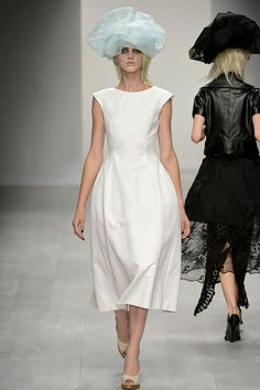 John Rocha Spring 2013 Ready-to-Wear Collection Slideshow on Style.com