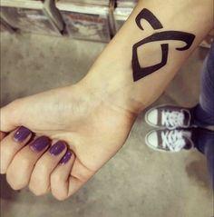 Body Art Tattoos, Cool Tattoos, Tatoos, Shadowhunter Tattoo, Rune Tattoo, Tattoo Addiction, Jace Wayland, Shadowhunters The Mortal Instruments, Body Is A Temple